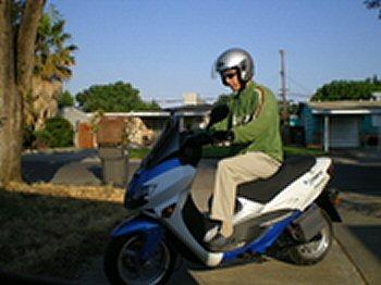 Dana_Nuccitelli_scooter