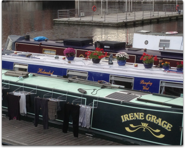 liverpool narrow boats