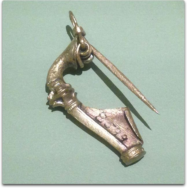 vindolanda brooch