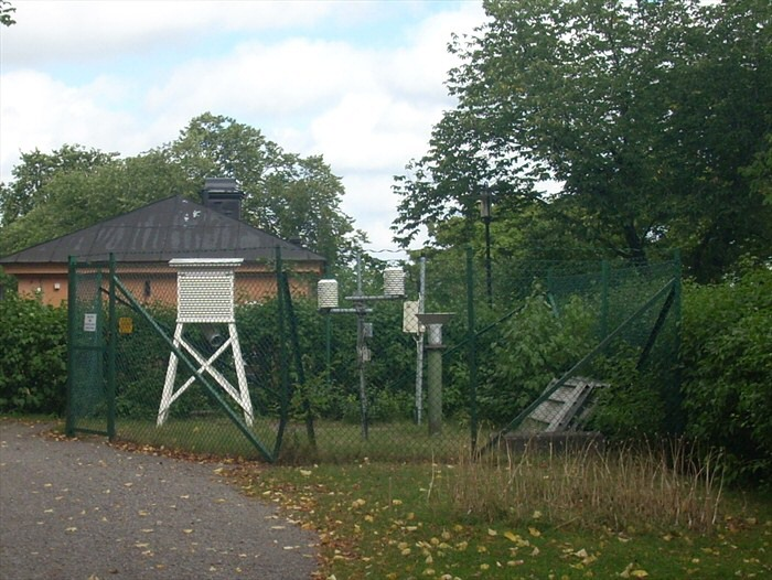 Stockholm_observatory_weather_station1
