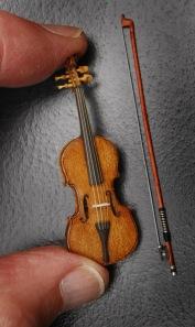 618_odd_tiny_violin[1]