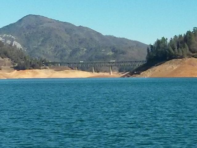 Shasta_lake_01-15-14