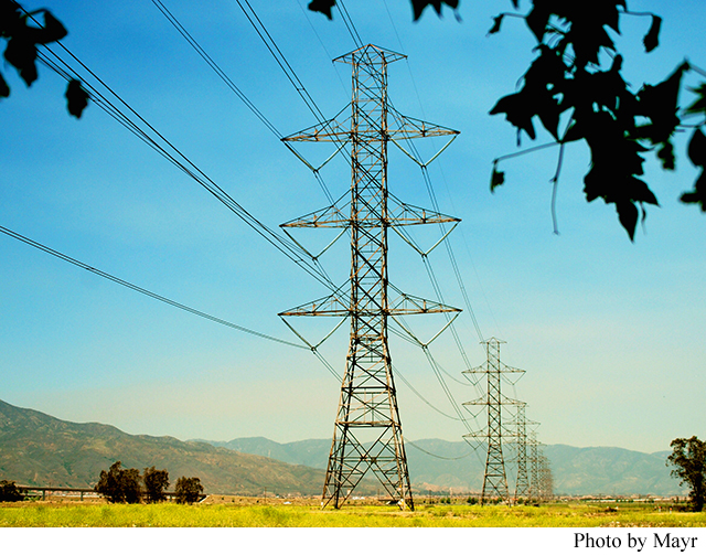 America's Power Grid at the Limit: The Road to Electrical Blackouts