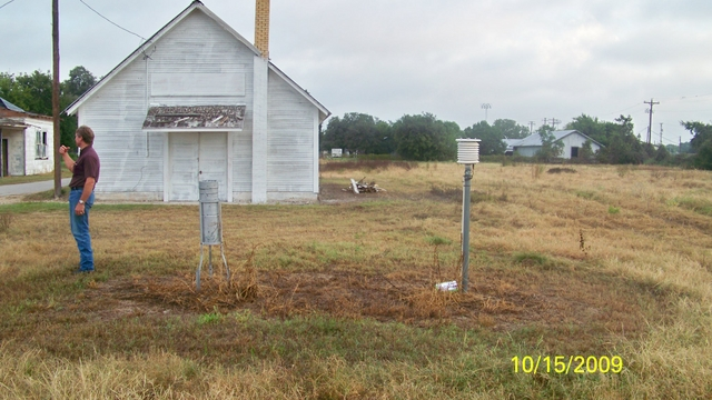 Luling_looking_north