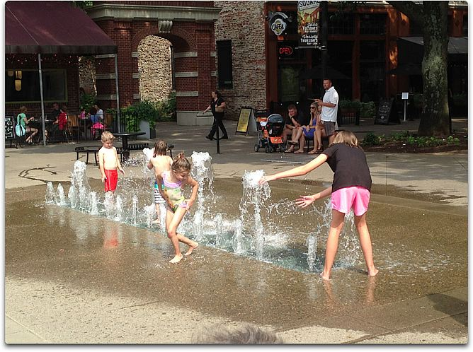 knox kids play fountain