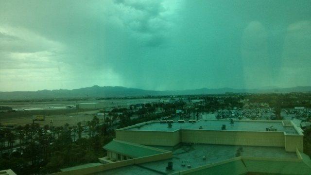 Las_vegas_rain_07-10-14