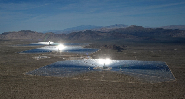 Ivanpah-glare-photo[1]