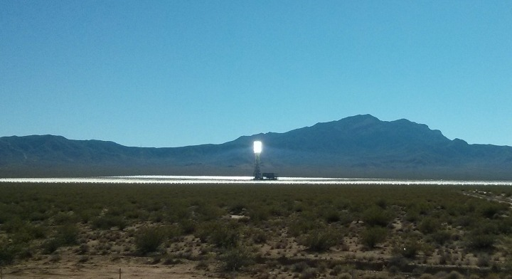 Ivanpah_closeup_tower