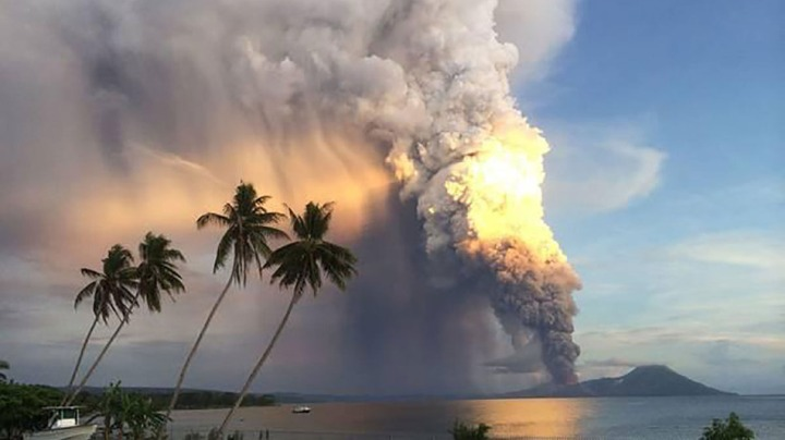 Mount Tavurvur erupts in Papua New Guinea on Friday, August 29th, 2014. Image from Roberto Lopez via Twitter