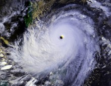 Typhoon_Nina_25_nov_1987_0702Z