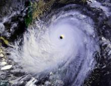 Typhoon_Nina_25_nov_1987_0702Z