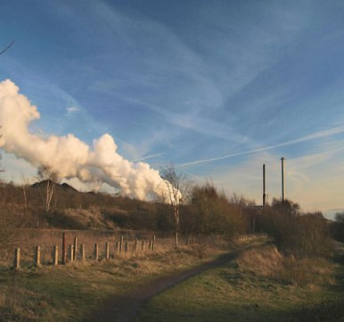 Steam_release_from_Monckton_Coking_Works