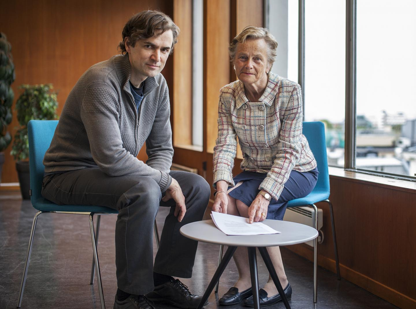 Professor Kjersti Fløttum, University of Bergen, and Senior Researcher Endre Tvinnereim, Uni Research, have asked 2,000 Norwegians open questions about climate change. Image: Ingvild Festervoll Melien