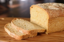 Anadama bread, author Stacy from San Diego, source Wikimedia (attribution license)