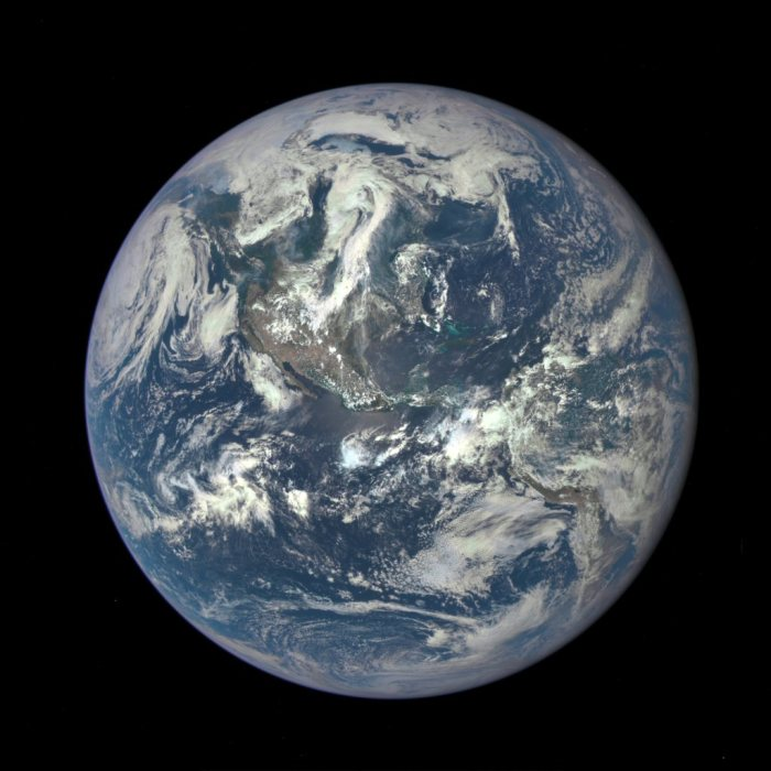Gores-earth-from-dscovr-large