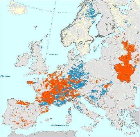 Areas with the lowest soil moisture content since 1990 in July 2015 (in red) and in July 2003 (in blue) are shown. CREDIT Source: JRC-EDEA database (EDO). © EU, 2015