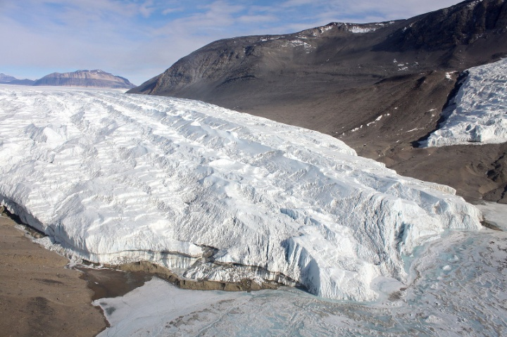 Taylor Glacier, Antarctica, author Eli Duke, source https://commons.wikimedia.org/wiki/File:Taylor_Glacier,_Antarctica_2.jpg