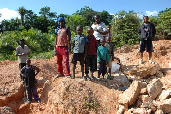 Child Cobalt Miners in Kailo, Congo - Author Julien Harneis, source Wikimedia.