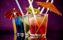 Cocktails mit Schirmchen