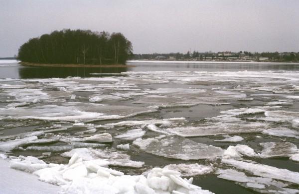 Torne River, spring 2003 in Tornio. CREDIT Photo by Terhi Korhonen