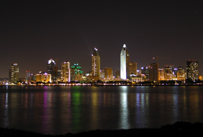Sandiego_skyline_at_night[1]