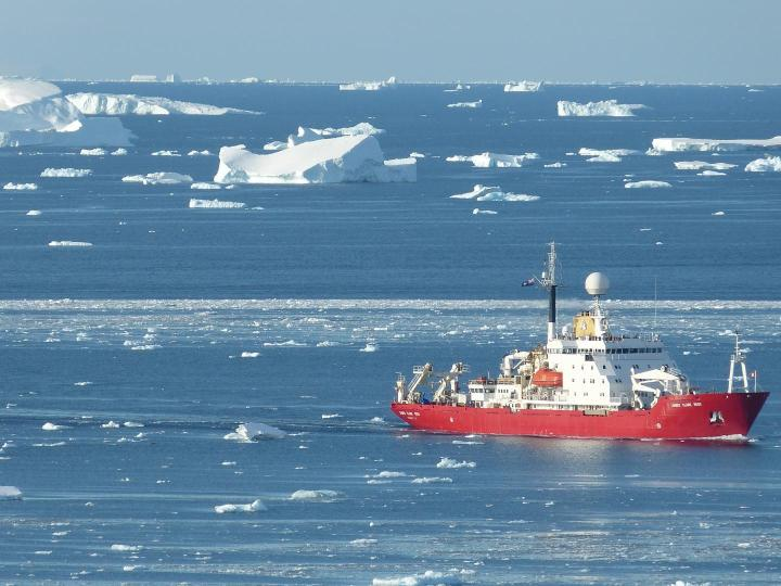 antarctic-ship-james-clark