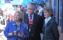 Turnbull (centre) with deputy leader Julie Bishop (right) and Helen Coonan (left) in July 2009.