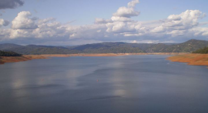 Lake Oroville, CA seen from the top of the dam. Image: Wikipedia
