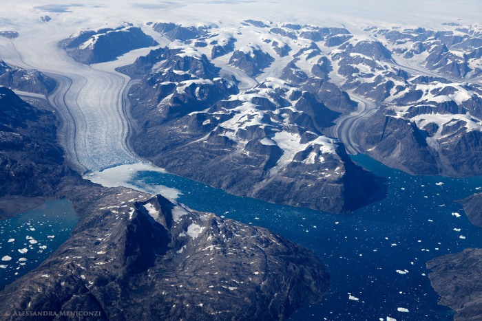Image of Greenland glaciers and icebergs from lifeonthinice.com