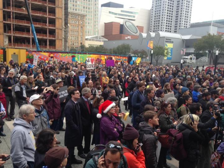 standupforscience-rally-crowd