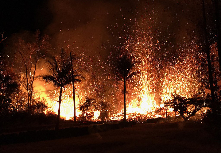 """By United States Geological Survey [Public domain], <a href=""""https://commons.wikimedia.org/wiki/File:Kilauea_eastern_rift_zone_fissure_eruption_May_2018.jpg"""">via Wikimedia Commons</a>"""